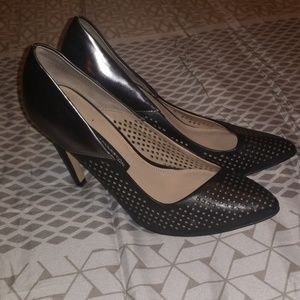 Black/Mettalic Perforated French Connection Pumps